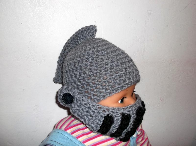 Knight helmet crochet pattern - moveable visor - face mask