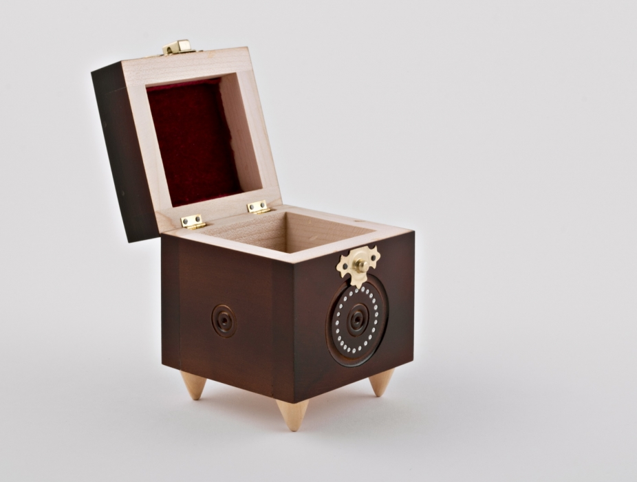 Handmade wooden box inlaid by beads by perfect boxes for Handmade wooden jewelry box