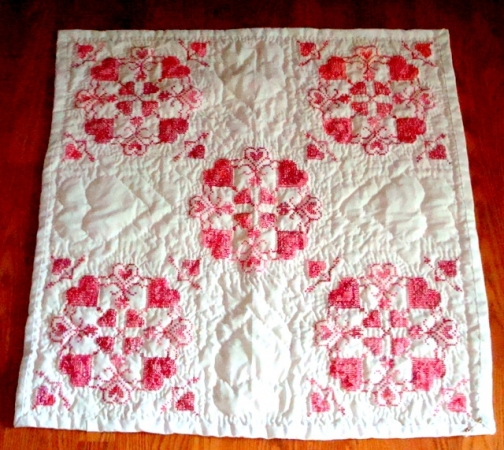 Old vintage quilts hot girls wallpaper for Red door design quilts