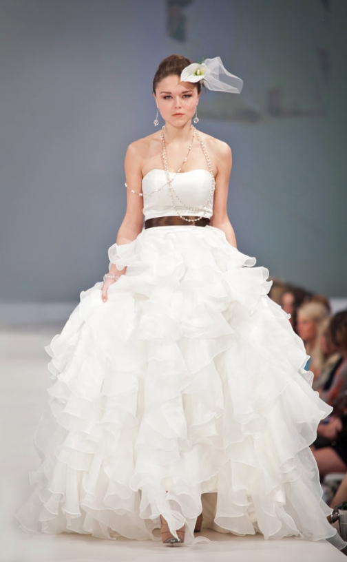 Sample sale wedding dresses dallas dress ideas for Custom made wedding dresses dallas