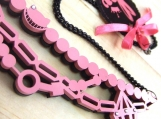 Reversible Cheshire Chain (black pink)