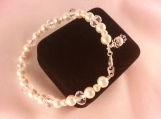 Cream Glass Pearl and Faceted Gemstone Bracelet W/ Round Clasp