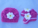 Littel Miss Daisy Baby set/ Knit Hat and Booties (NB- 6) Pink