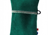 Green simple, soft pouch for keys/credit cards, no metal/plastic