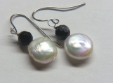 Japanese Unio Pearl and faceted black Onyx earrings