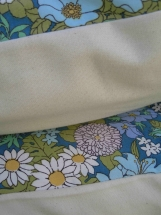 Vintage Fabric Pillow Cover Funky Daisy and Cream